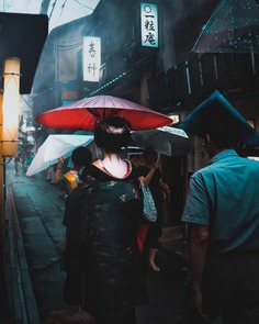 Cyberpunk and Cinematic Urban Photos in Japan by Omi Kim