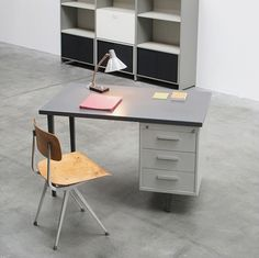 Andre Cordemeijer 7800 series industrial desk at iainclaridge.net #industrial #desk #design #1958