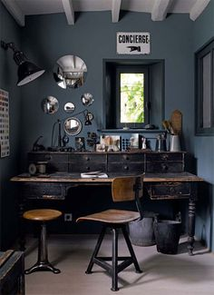 charcoal gray office walls #interior #design #decor #deco #decoration