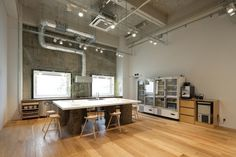 Hue plus photo studio by Schemata Architects, Tokyo office design #balance #space #work