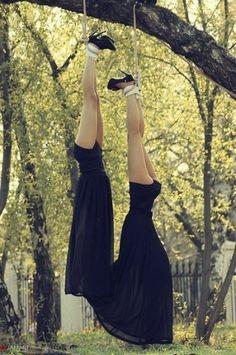 x_032ff9a3.jpg (402×604) #woman #tree