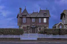 After Lights Out by Julien Mauve #inspration #photography #art