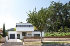 Comfortable Home Placed in a Lovely Picturesque Site: Villa Seignosse in France #architecture