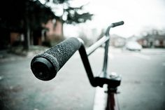 5202262407_85e5e77ef9_z.jpg (640×427) #bmx #photography #handlebars