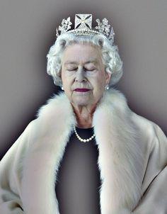 The+Queen%2C+Art+%26+Living+-Lightness+of+Being+_+Chris+Levine.jpg (1252×1600) #photography #queen