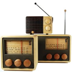 MAGNO Wood Radio - Medium Singgih Kartono #radio #design #retro #wood #product