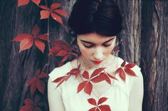 Felicia Simion #red #girl #photo #lips #autumn #leaves