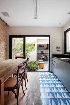 Moema House by Tria Arquitetura 8