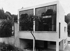Theo van Doesburg. Back view of the Van Doesburg House, 29 rue Charles Infroit, Meudon Val Fleury. 1930. Photo. The Netherlands Institute fo #van #doesburg #architecture #theo