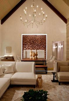 Artistic decor combined with luxury interior
