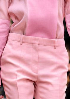 sara lindholm:Fashion photography, pink #girl #pink #pant #mode #photography