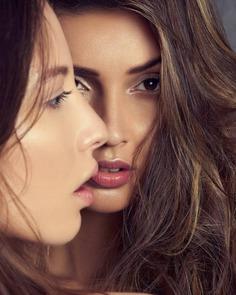 Vibrant Fashion and Beauty Photography by Ricardo Urroz
