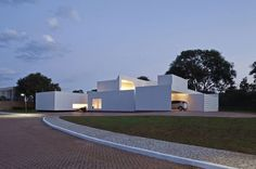 Migliari House by DOMO Arquitetos #modern #design #minimalism #minimal #leibal #minimalist