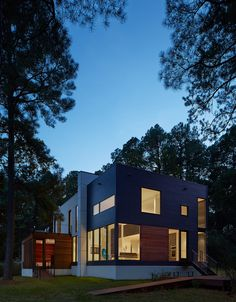 Solitude Creek House by Robert Gurney Architect