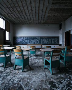 Jenn Brown Captures Gorgeous Abandoned Places in US