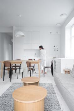 Apartment by Łazienki Królewskie Park / Loft Kolasiński