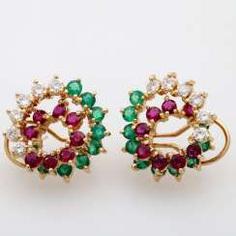 Ear plug with rundfac. Emeralds, rubies and diamonds