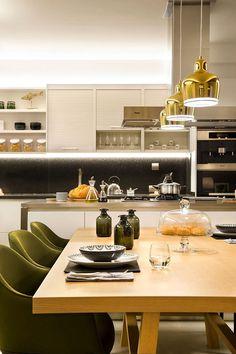 Suite For Ten – Flat in Barcelona's Eixample Neighbourhood / Egue y Seta