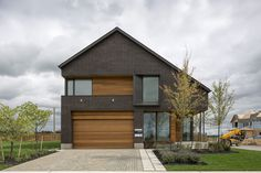 Simplicity Reigns in 100% Renewable Energy Home: Great Gulf Active House