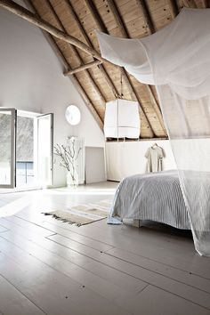 Bedroom. Photo by Morten Holtum for Bo Bedre. #bedroom