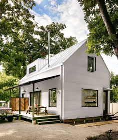 Wall House – a Modern Farmhouse with Energy-Efficient Design