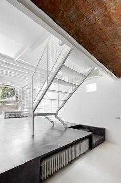 CJWHO ™ (Reforma de una Vivienda en Nou Barris, Barcelona) #spain #white #design #interiors #architecture #barcelona