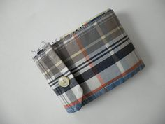 RePlayGround recycling with a twist!: Shirt Cuff Wallet #diy