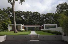 Classically Modern Residence