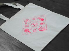 Working at OmbuLabs. #tote bag #illustration #silkscreen