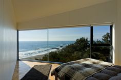 Panorama House in Chile | iGNANT.de #interior #house #modern #bedroom #structure #home #window #chile #beach