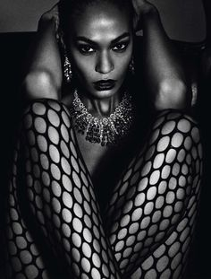 Fashion photography(Joan Smalls photographed by Mario Sorrenti for Vogue Paris, June/July 2013, via labellefabuleuse)