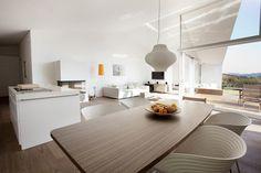 http://lookslikegooddesign.com/wp content/uploads/2010/12/lo front.jpg #interiors