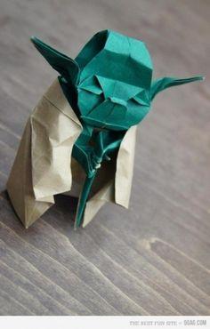 Piccsy :: Paper Yoda #origami #yoda