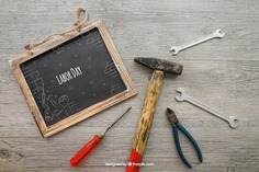 Chalkboard with tools Free Psd. See more inspiration related to Mockup, Blackboard, Chalkboard, Mock up, Tools, Hammer, Wrench, Up, Male, Screwdriver, Objects, Things, Composition, Mock, Pliers and Masculine on Freepik.