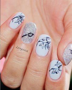 35 Leaf Nail Art Ideas