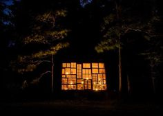 Nick Olson and Lilah Horwitz's glass house in the woods #glass #house