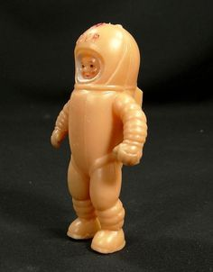 pic3.jpg (600×769) #astronaut #toy