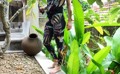 stunning dark tropical leggings by Nastya KFKS #casual #sport #yoga #surf #surfing #bali #srilanka #leggings #pattern #wild #fashion