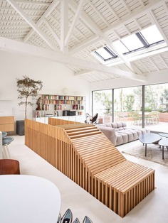 Parisian Penthouse Refurbished by 05 AM Arquitectura
