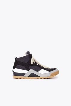 Totokaelo Sneaker