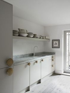 Faye Toogood\\'s London Home   kitchen. Photo by Henry Bourne | Yellowtrace