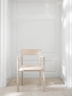Post Chair by Cecilie Manz