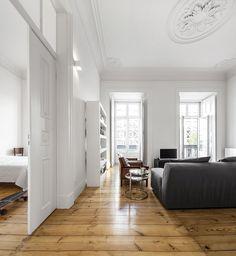 Nana Apartment in Lisbon / rar.studio