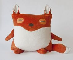 On aime les peluches de Velvet Moustache | LaPresse.ca #fox #plush #cushion #velvet moustache