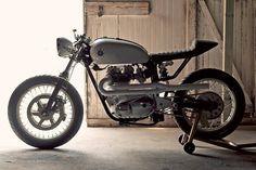 Triumph Bonneville cafe racer #cafe #motorbike #motorcycle #racer