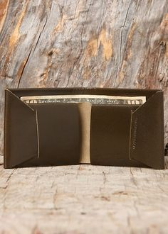 Blackbird - Maxx + Unicorn - Bi-Fold Wallet in Olivesque #seamless #leather