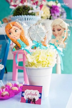 Frozen Themed Birthday Party {Styling, Design, Planning, Ideas, Decor} - Frozen theme birthday party ideas