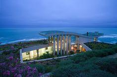 Contemplative Sea Retreat in Chile by Raimundo Anguita