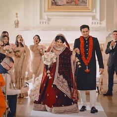 11 Ways You Can Drape Your Wedding Dupatta: Sabyasachi Edition