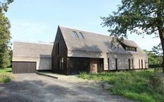 Outside-in' - Residence in Goes / grassodenridder_architecten #thatch #architecture #netherlands